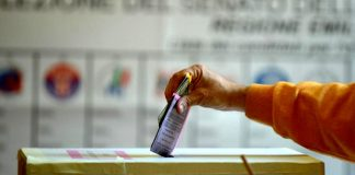 Elezioni - Urne