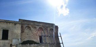 Marruggio. La Torre Ovo sulla scogliera contro i Saraceni