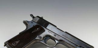 Taranto. Armato di pistola assale bar di servizio e viene arrestato
