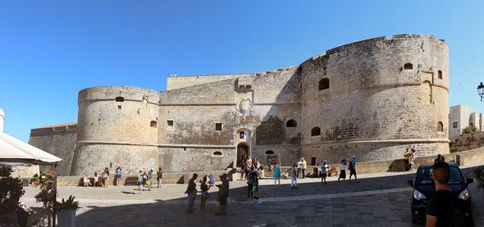 Taranto. Mostra fotografica al Castello Aragonese
