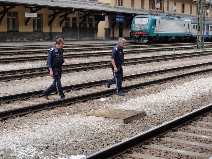 Taranto. Denunciato uomo in possesso di hashish e coltello