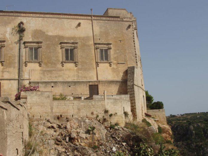 Castellaneta. Aggiudicato appalto intervento al Palazzo Baronale
