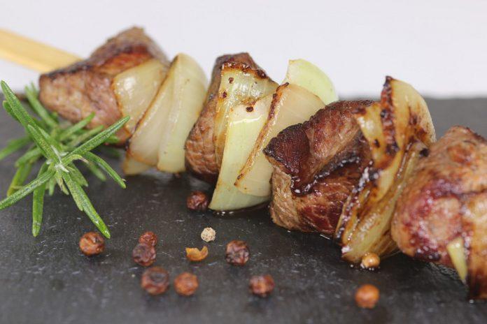 Agnello con le patate al forno a Torricella lo mangiamo tutto l'anno