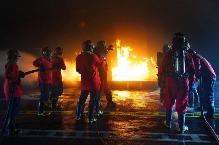 Esplosione nella notte colpita attività commerciale a Mottola