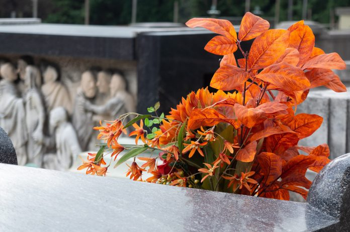 Interventi di manutenzione e abbellimento al cimitero di Martina Franca