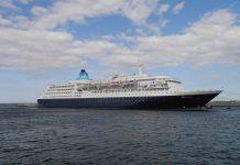 SAGA SAPPHIRE la nave crociera ha attraccato al porto di Taranto