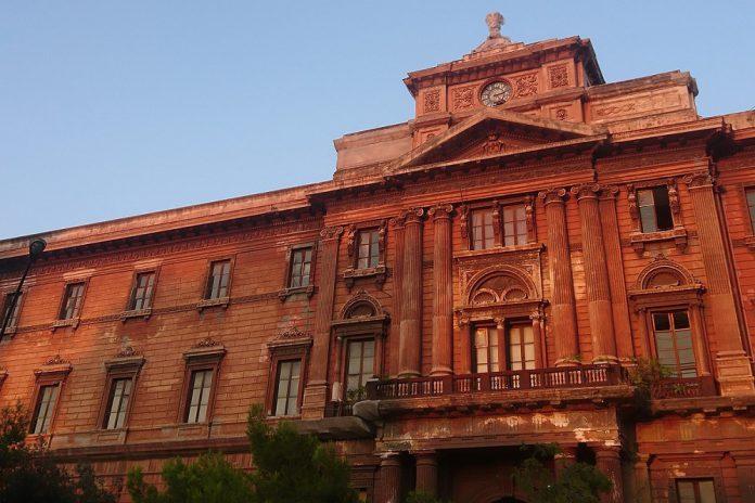 Taranto. Palazzo Degli Uffici. L'amm.ne Melucci riavvia il cantiere