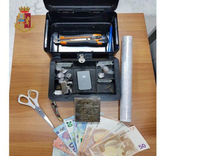 Al quartiere Tamburi di Taranto droga in una cassetta di sicurezza