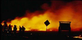 Incendio nella notte auto in fiamme a Lizzano