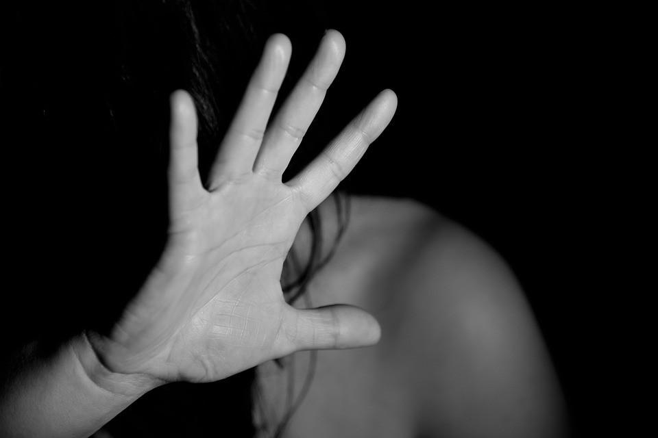 Armato di coltello minaccia l'ex compagna a Statte e lei lo denuncia