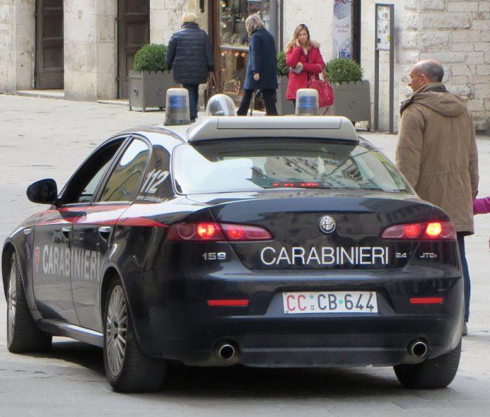 Carabinieri di Taranto scoprono oggetti del V secolo A.C. su una bancarella