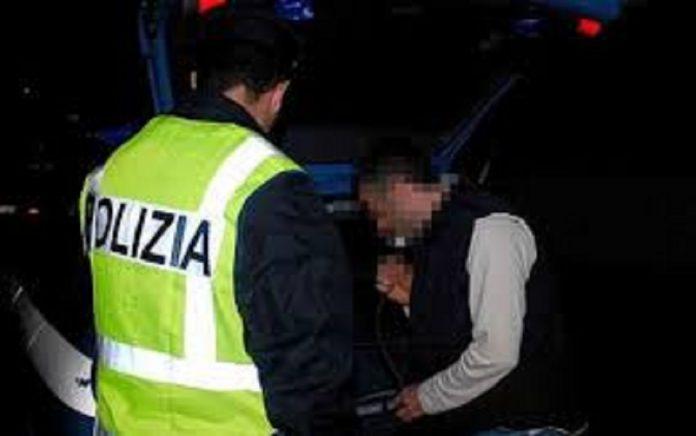 Con obbligo di soggiorno a Massafra, ubriaco tampona un autobus