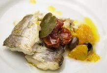 Dentice con olive e pomodorini al profumo di arancia di Castellaneta