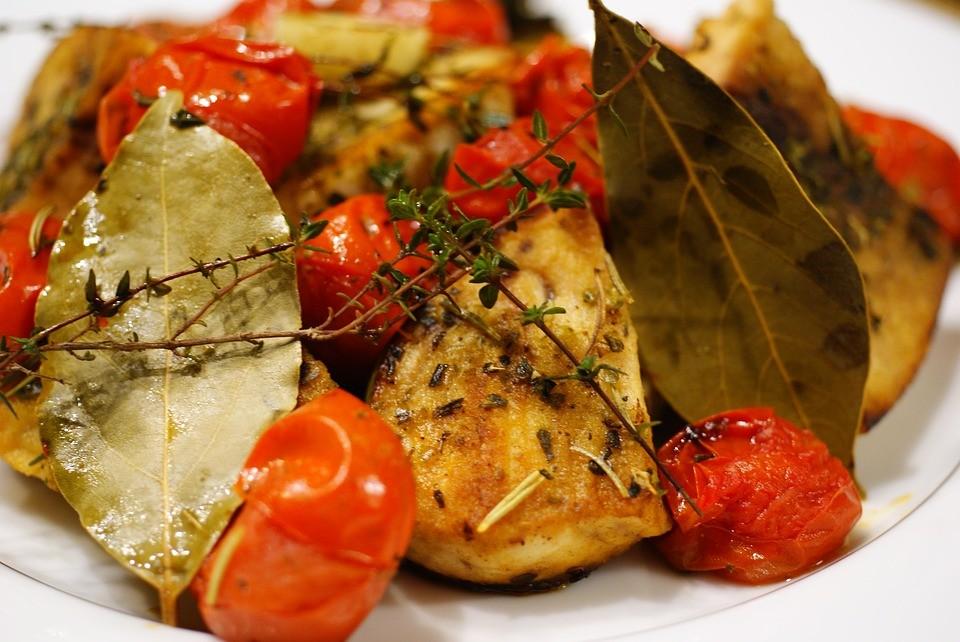 Oggi a Laterza si mangia pesce spada con pomodori confit
