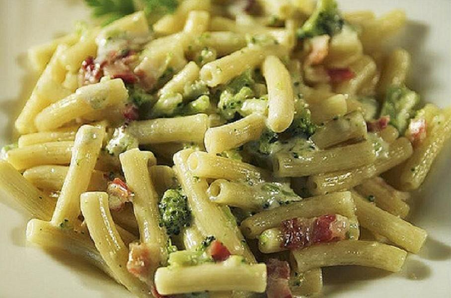 Pasta e broccoli al forno ricetta di Sava