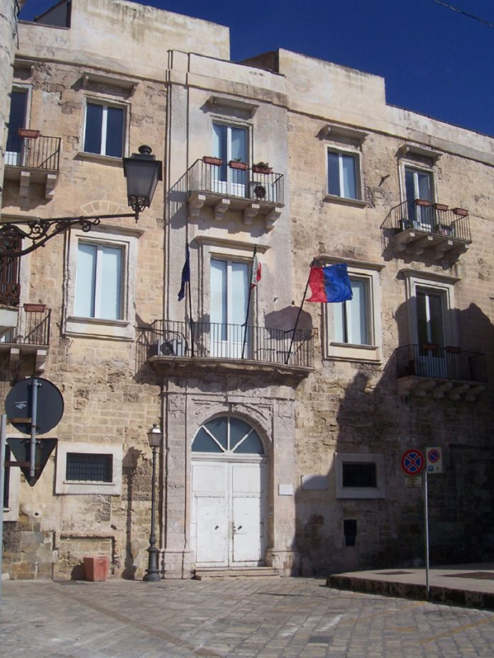 Previsto aumento tassa sui rifiuti per la città di Taranto