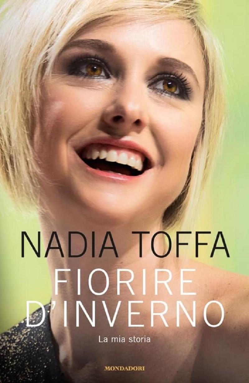 Nadia Toffa al rione Tamburi di Taranto presenta il suo libro