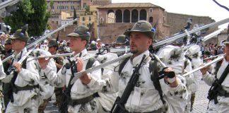 La Fanteria Italiana e gli Alpini premiati a Taranto