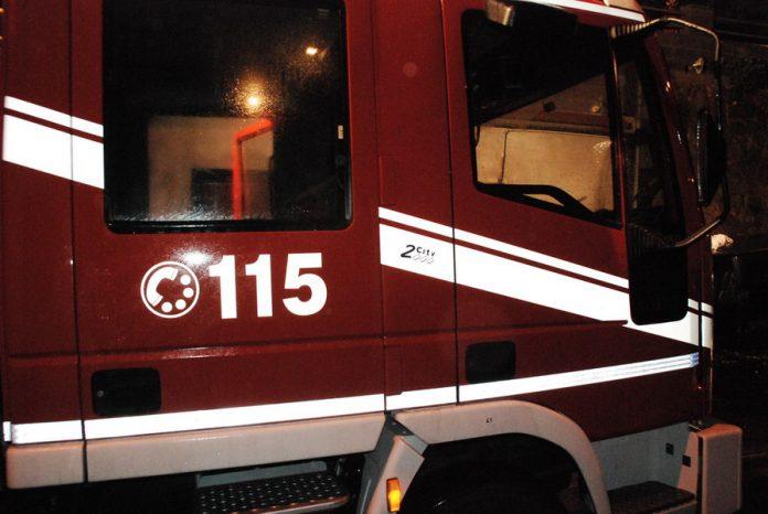 A fuoco laboratorio artigianale a Martina Franca