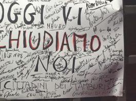 Le mamme di Taranto protestano contro l'inquinamento