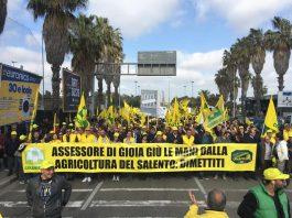 Protesta della Coldiretti a Lecce contro la Xylella