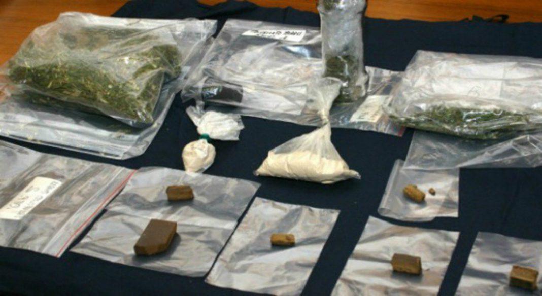 Controlli ed arresti per detenzione di sostanze stupefacenti