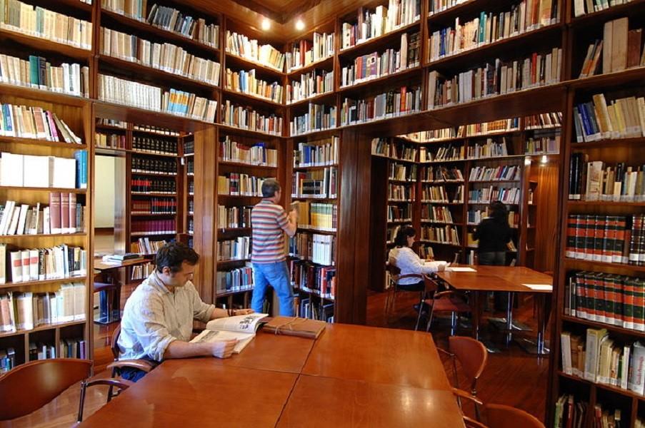 A Manduria la Biblioteca Gatti patrimonio storico da tutelare