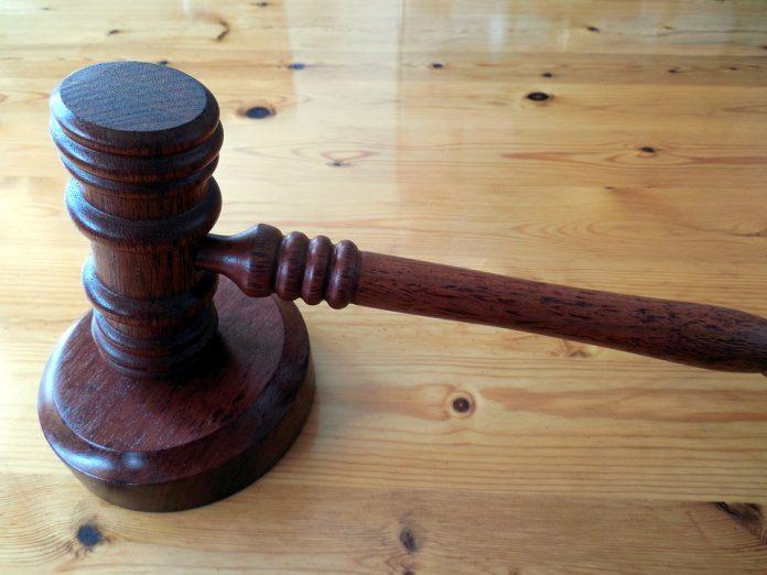 Professore di Manduria condannato per violenza su minore