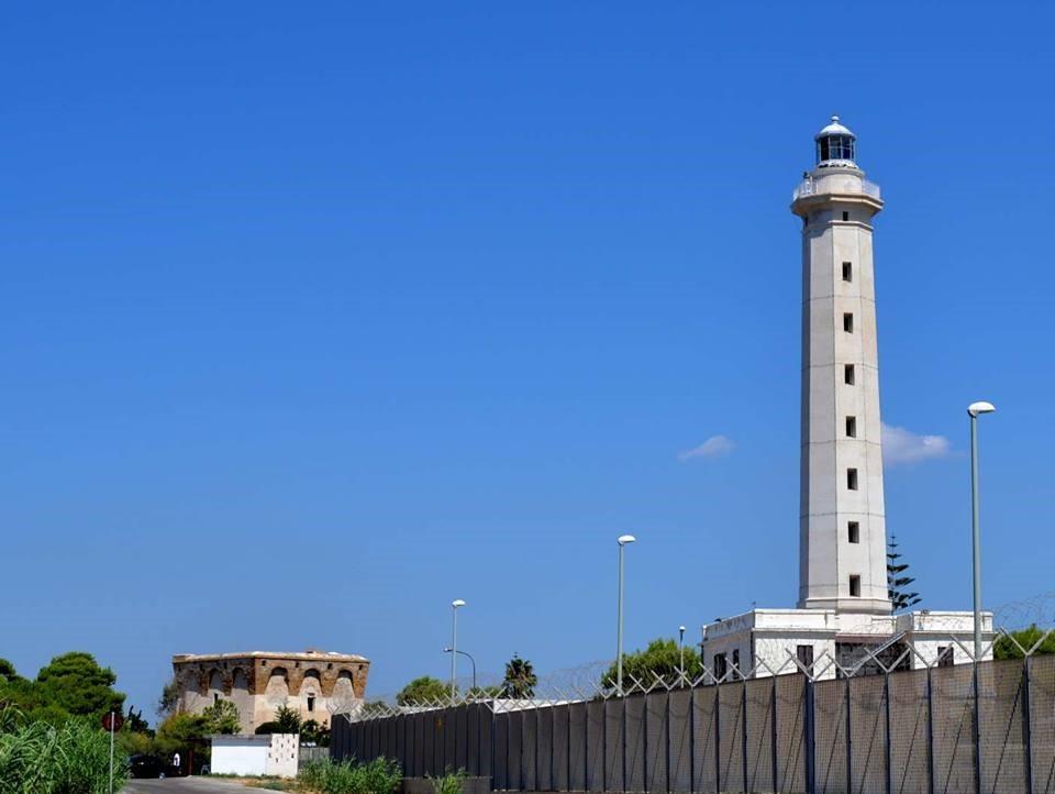 Taranto festeggia i 150 anni del Faro