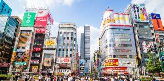 Accoltellate bimbe alla fermata del bus a Tokyo