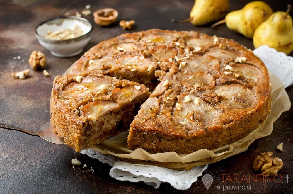 Come realizzare la ricetta torta di pere e noci