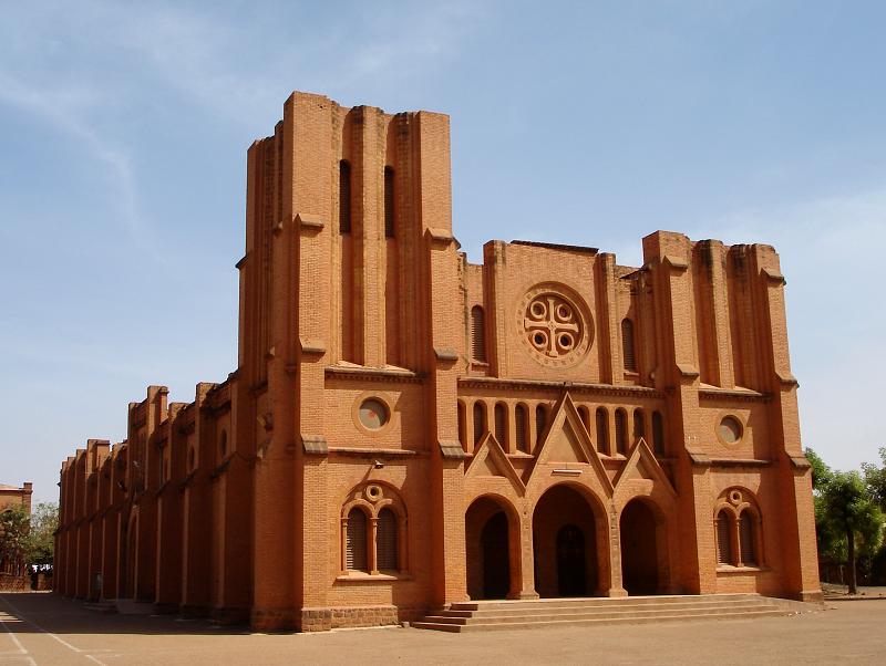 Jihadisti uccidono prete e 5 fedeli nel Burkina Faso