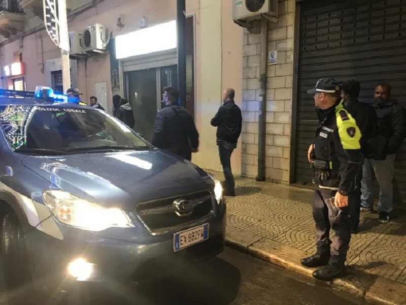 Tentativo di speronare auto polizia Locale di Massafra