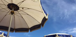 A Pulsano vietato fumare in spiaggia. Scattano le multe