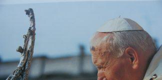Attesa per l'arrivo della Santa reliquia di Papa Wojtyla