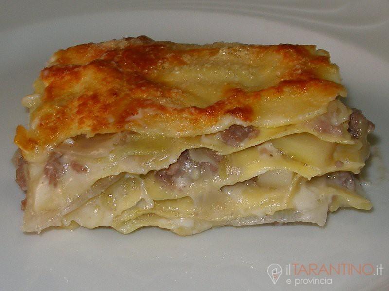 Come realizzare la ricetta lasagne salsiccia e porri