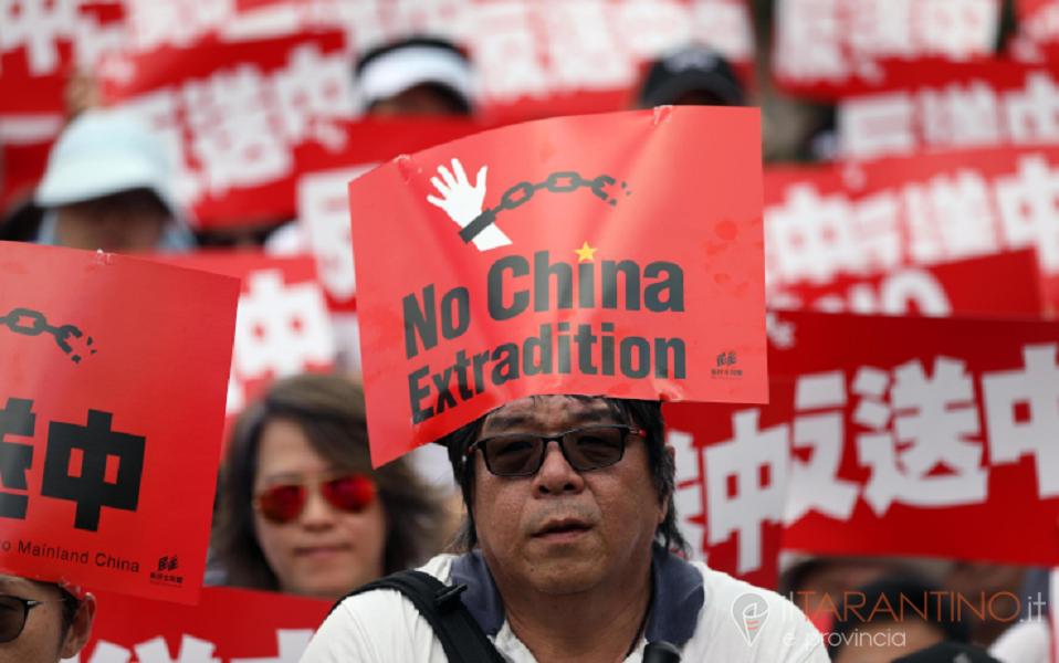 Contro la legge sull'estradizione forzata Hong Kong protesta