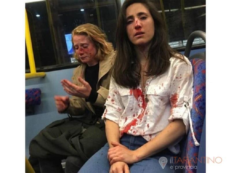 Lesbiche picchiate selvaggiamente su un bus a Londra