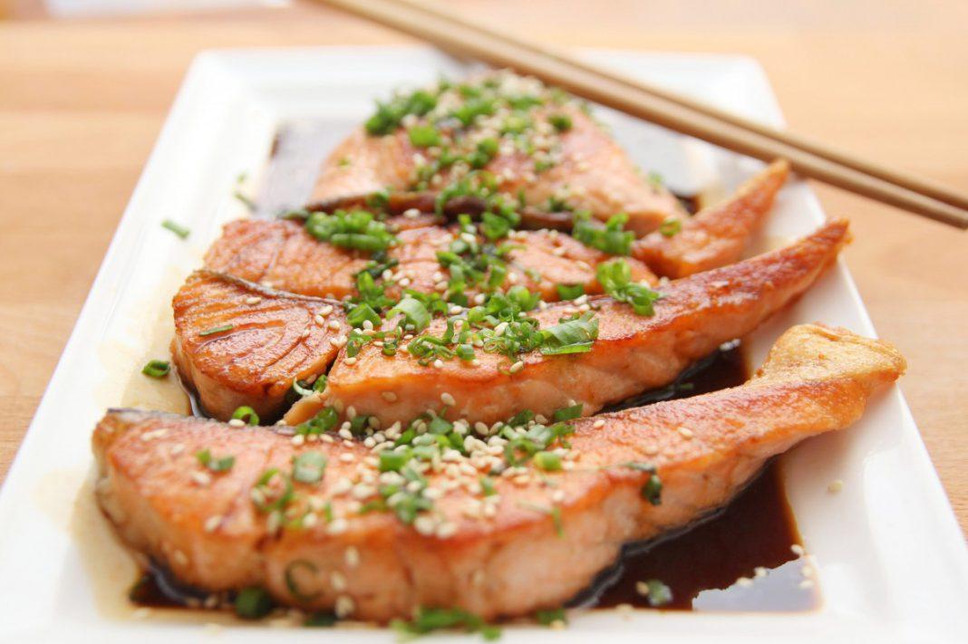 Ricetta salmone al forno con erbe aromatiche facile e veloce