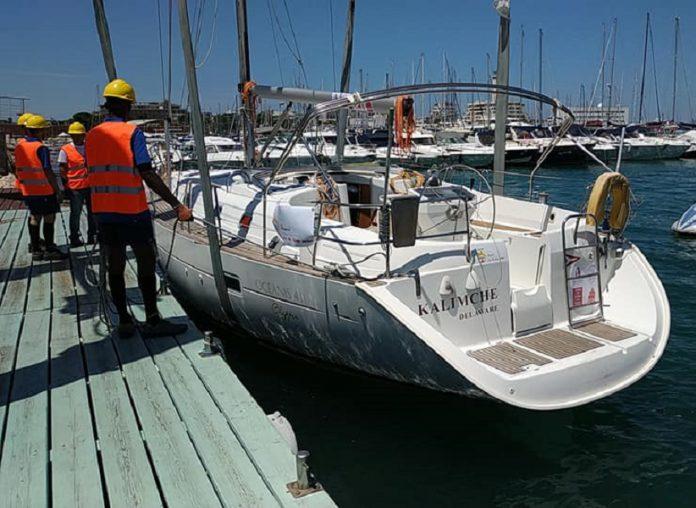 Kalimchè, la barca sequestrata agli scafisti diventa biblioteca