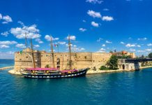 La Nave Scuola Palinuro ormeggiata da oggi a Taranto