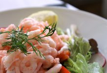 Ricetta insalata di gamberi un'idea fresca e appetitosa