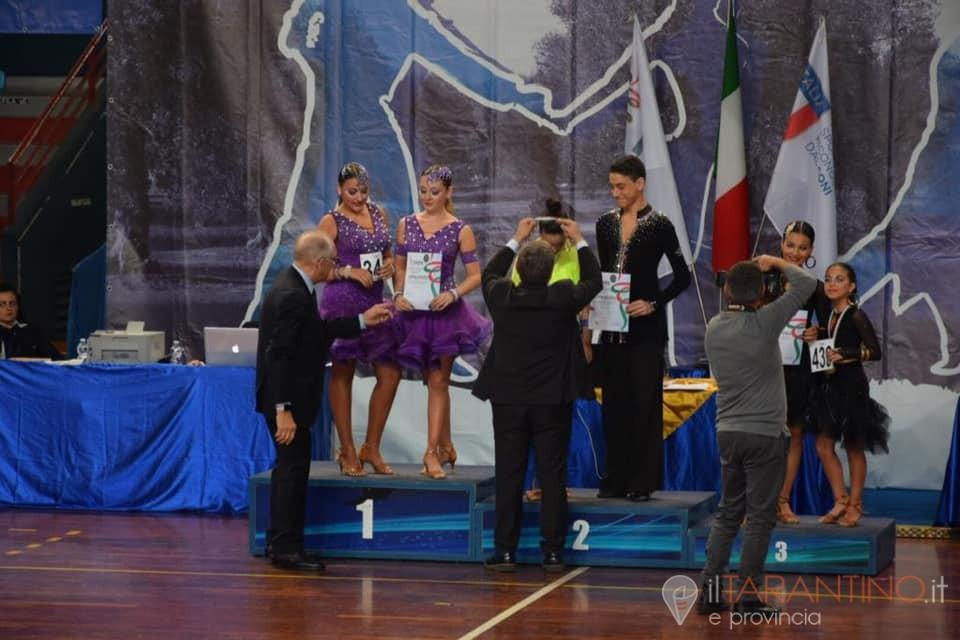 Team dance Erario Academy di Manduria campioni d'Italia