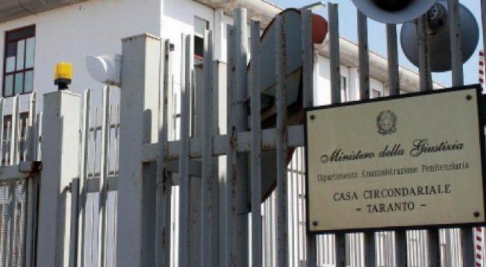 Detenuto tunisino aggredisce poliziotto nel carcere di Taranto