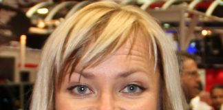 Muore in Oregon Jessi Combs pilota e conduttrice televisiva