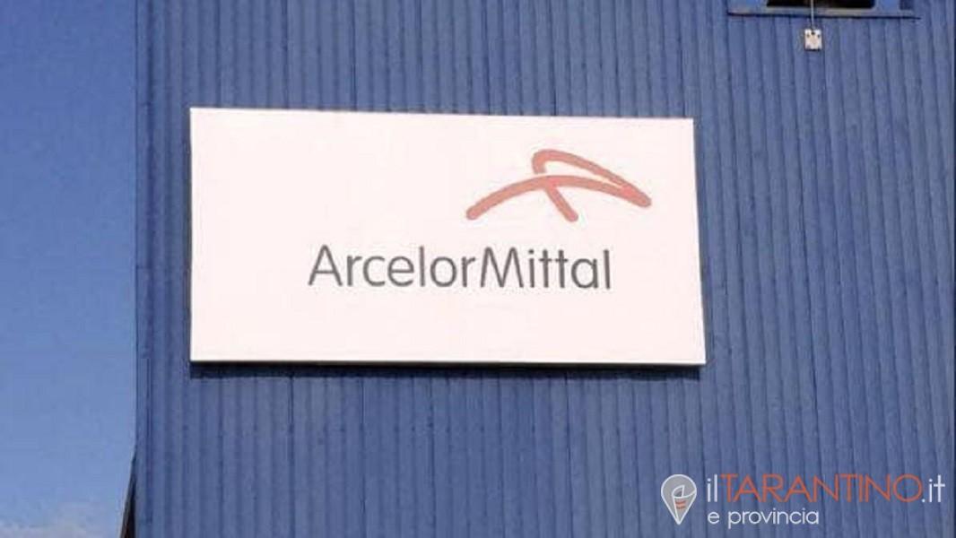 Previsti tre giorni di sciopero dei gruisti Arcelormittal Taranto
