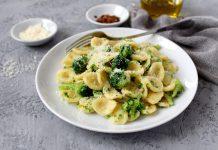 Ricetta orecchiette broccoli acciughe peperoncino una bontà