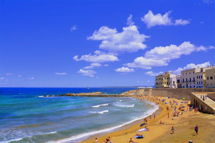Spiagge pugliesi restano
