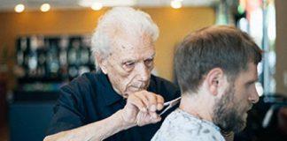 Morto Anthony Mancinelli il barbiere più longevo del mondo