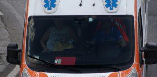 Due bambini vagano sulla statale 101 Lecce Gallipoli